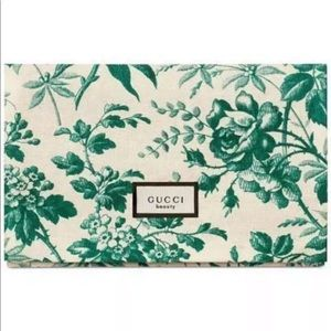 Limited edition GUCCI beauty pouch soft